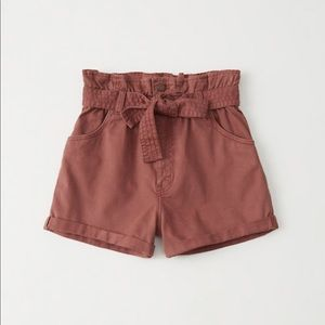 A&F Belted Twill shorts